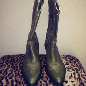 Gianni Bini Womens Cowboy Boots